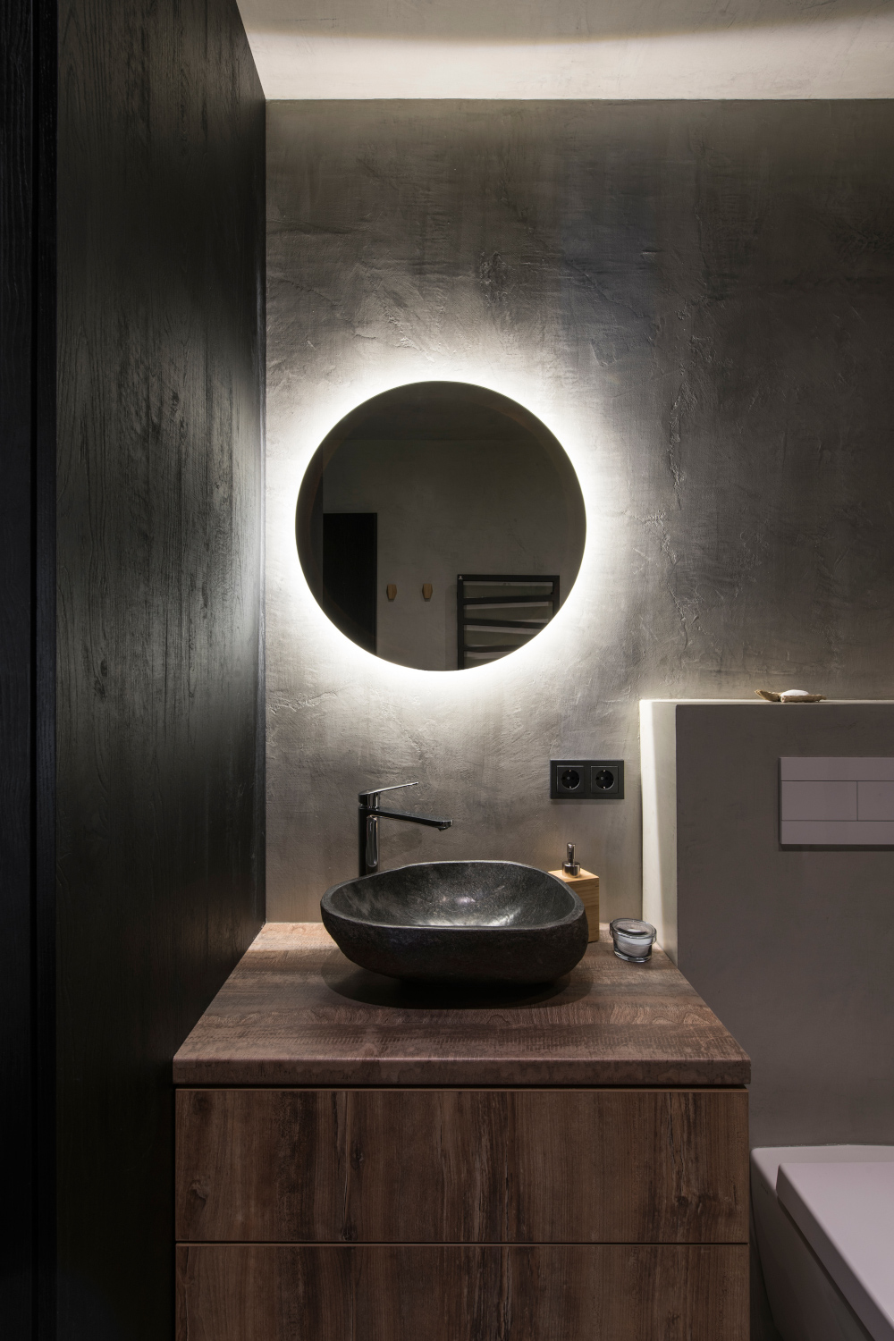 Led Backlit Round Bathroom Mirror